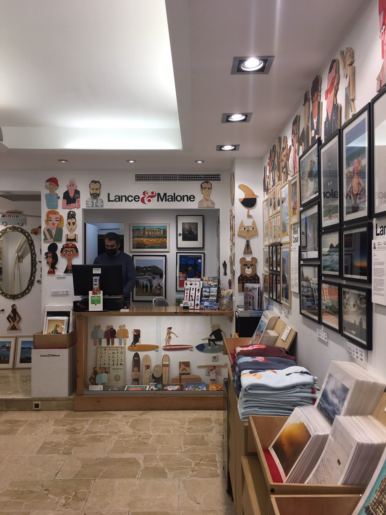 Lance & Malone art shop in San Sebastian