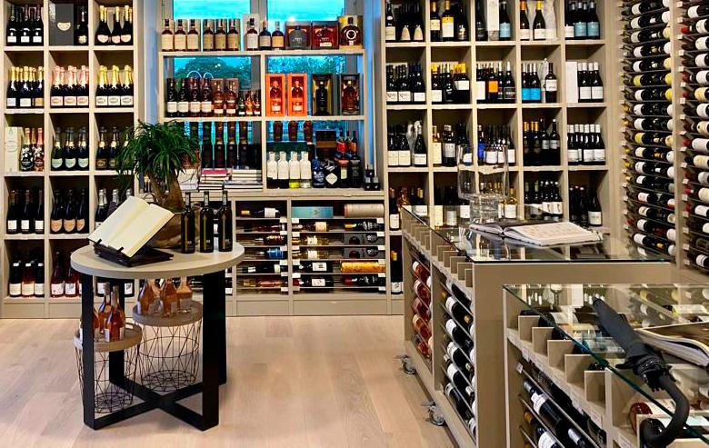 Lukas Gourmet Shop at Maria Cristina Luxury Hotel